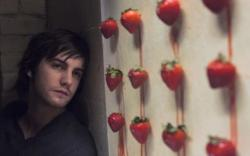 Jim Sturgess stars as Jude, a British artist living in New York City.
